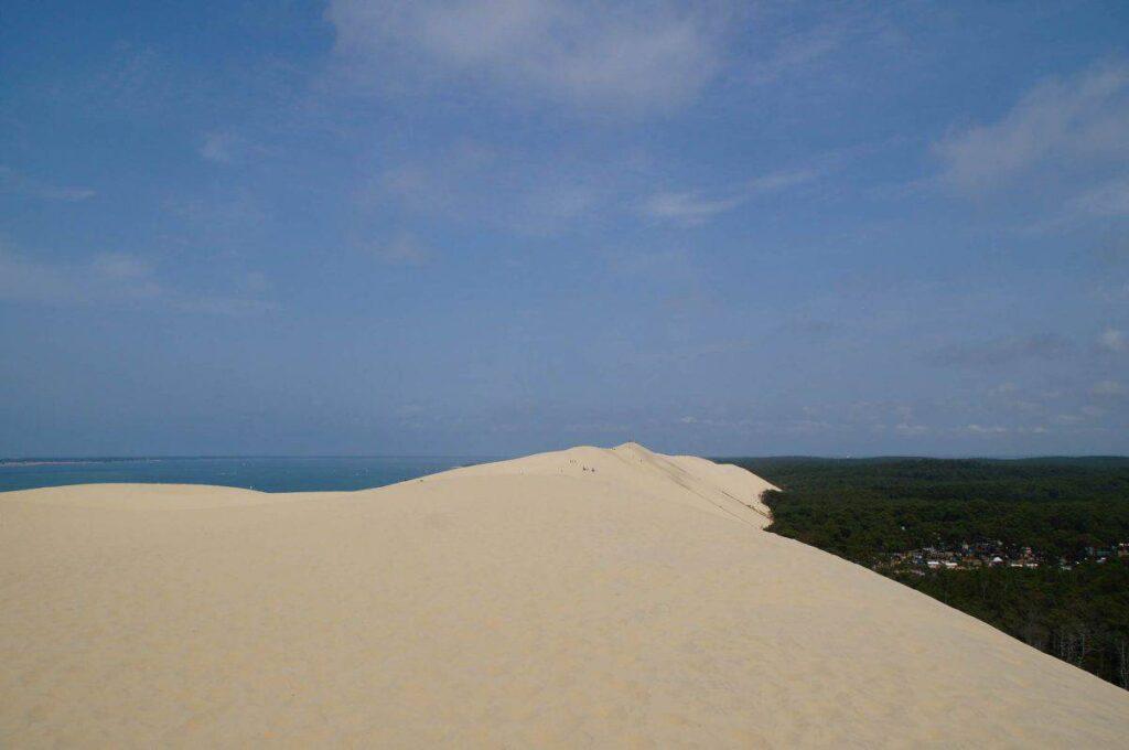 Climbing the Dune du PIlat. How to get to the Dune du Pyla