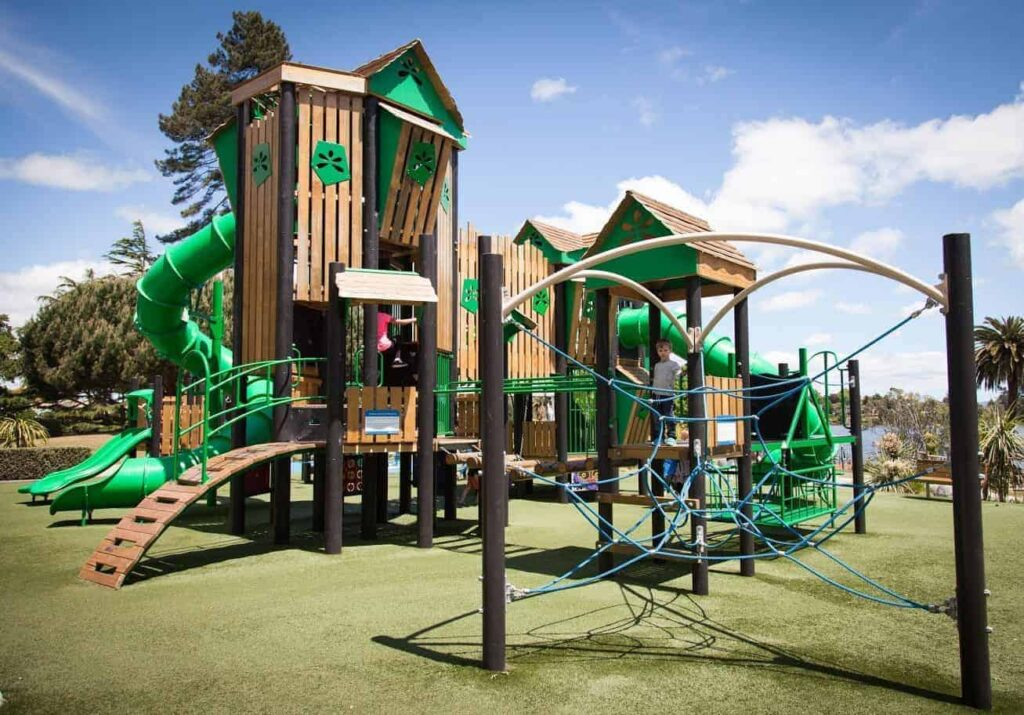 Hamilton Lake Playground, Things to do with kids in Hamilton, New Zealand