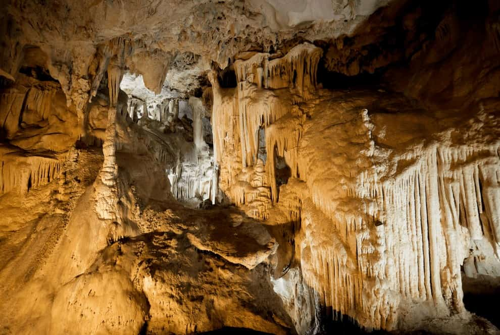 Caves in France, Must-see natural attractions in Provence, France