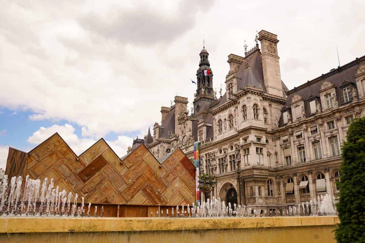 Hotel de Ville & the Circular Pavilion in Paris.