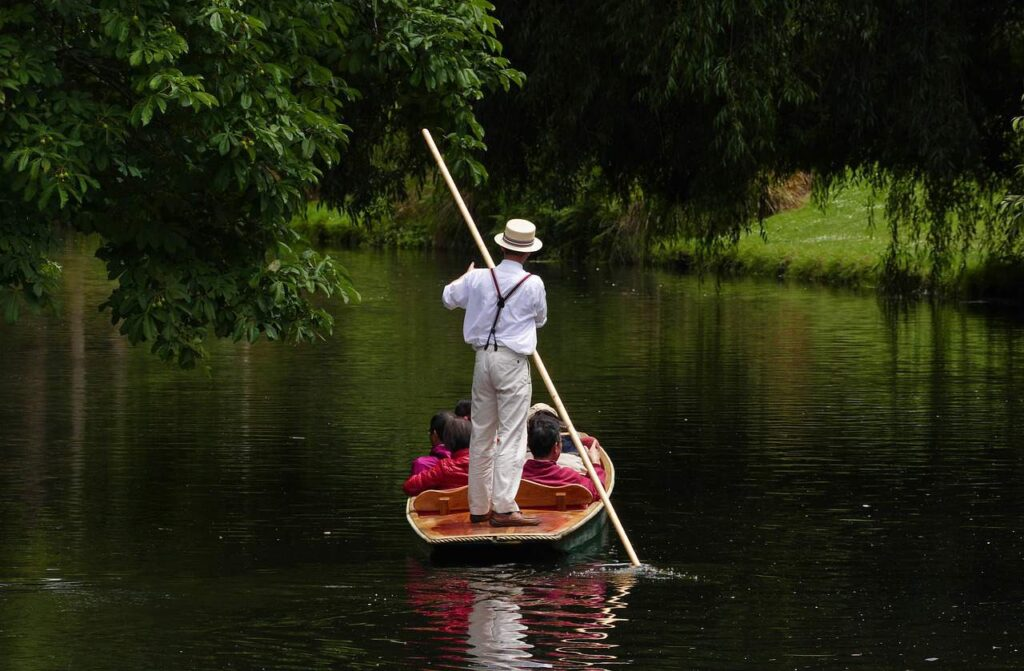 Punting on the Avon River in Christchurch. Things to do in Christchurch for kids.