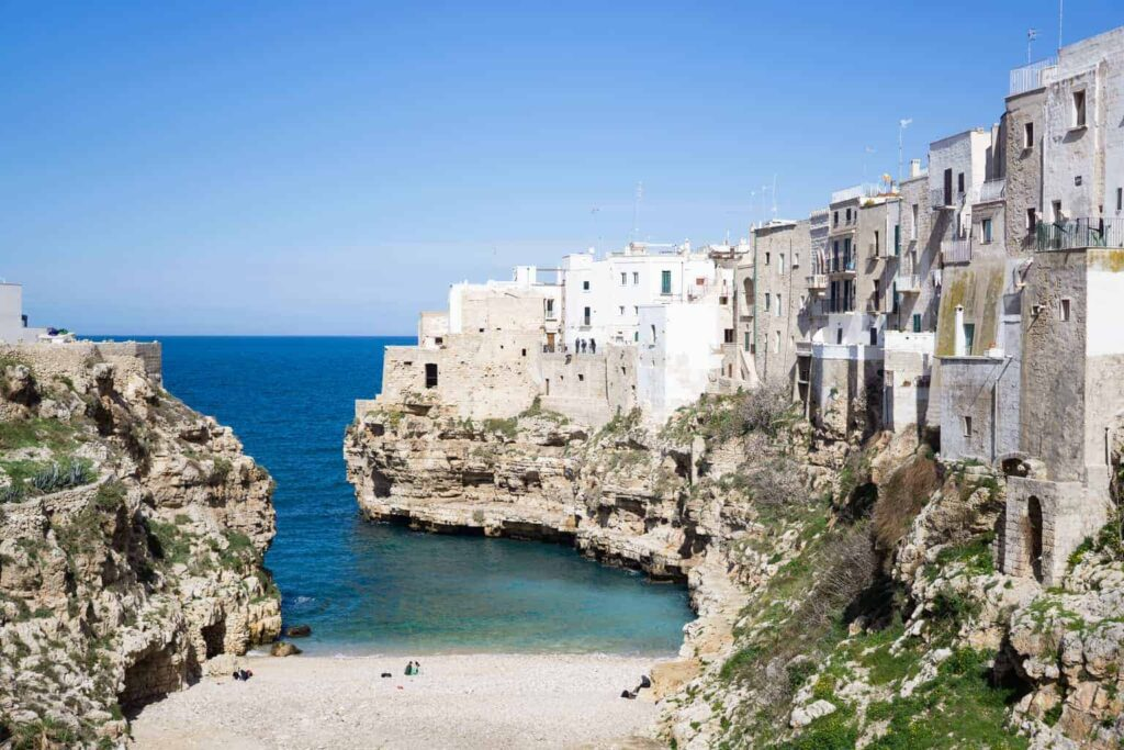 Best towns in Puglia Italy. Things to do in Polignano a Mare.