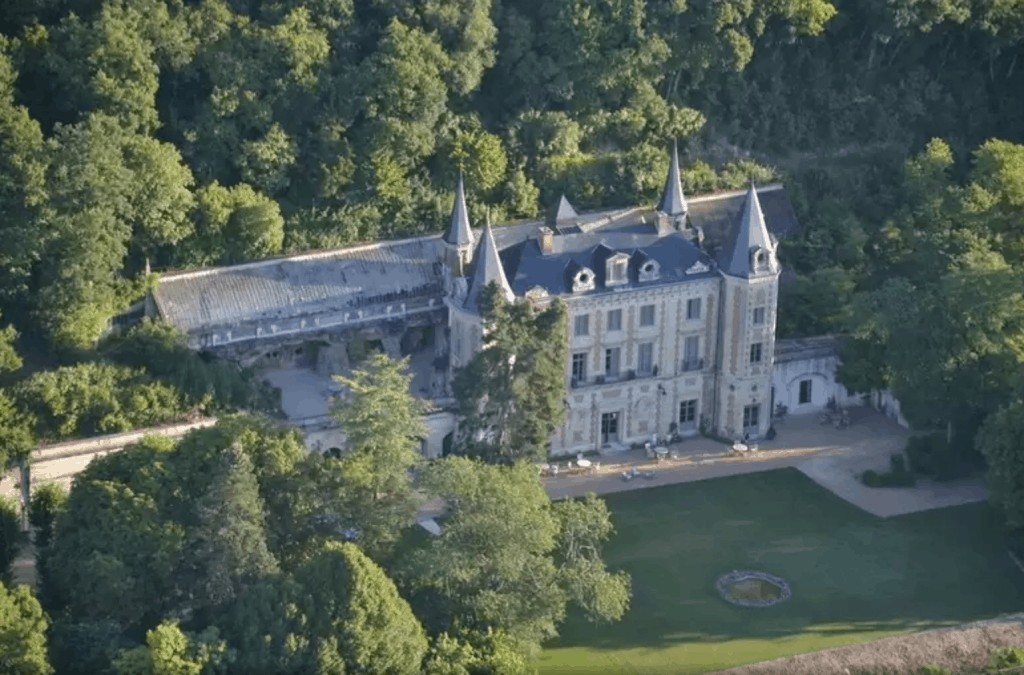 Château de Perreux is one of the finest château hotels in the Loire Valley