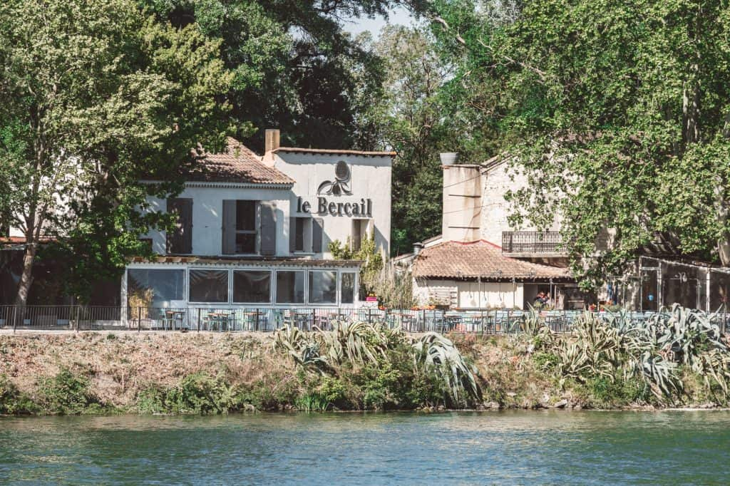 Restaurant on the île de la Barthelasse in Avignon