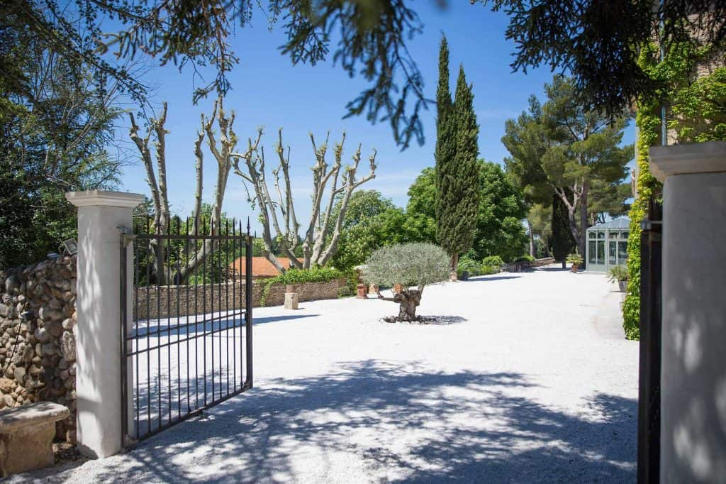 Domaine & Cie - countryside hotel near Aix en Provence