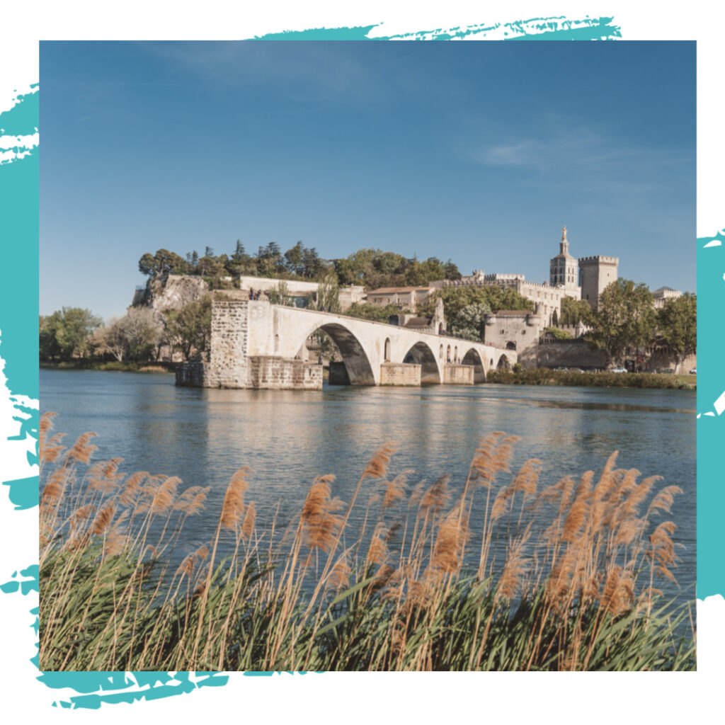 Avignon travel guides