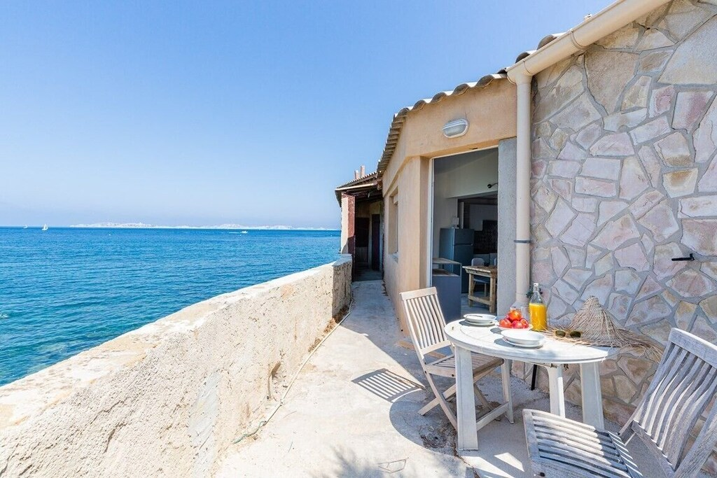 Seafront accommodation in Marseille